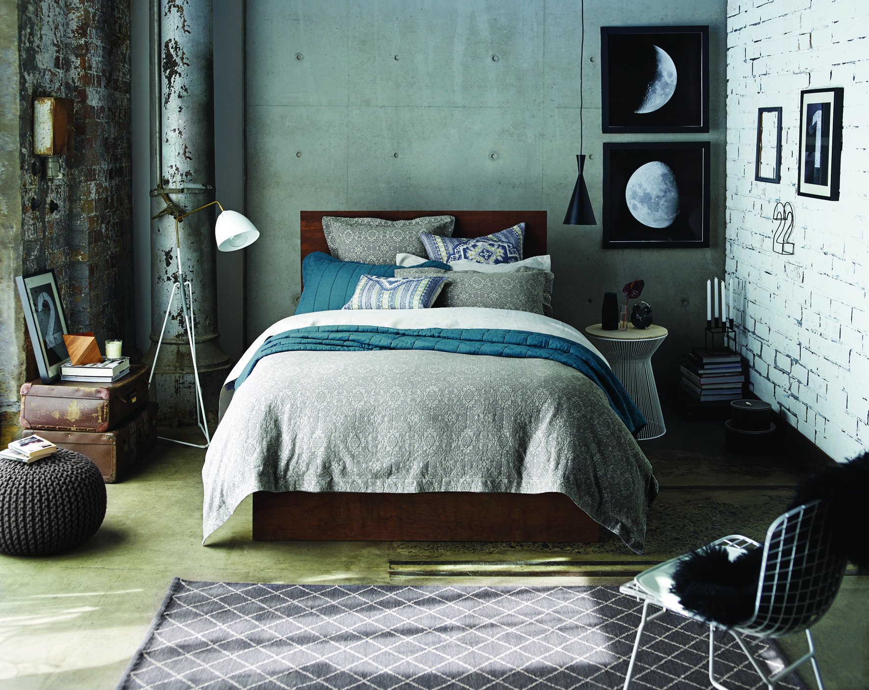 Super King Bedding Upgrade the comfort and style of your bedroom with new super king bedding and bed linens. Choose from down comforters, down pillows, thread count sheets, fleece blankets, sheet sets, comforters, and goose down to help you get a better nights sleep.